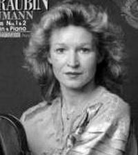 Eva Groubin