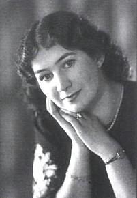Marie Podvalova
